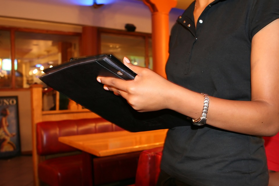 Calling time on the bar: 80 percent of pub-goers want to keep ordering on apps rather than at the bar when Covid-19 restrictions ease