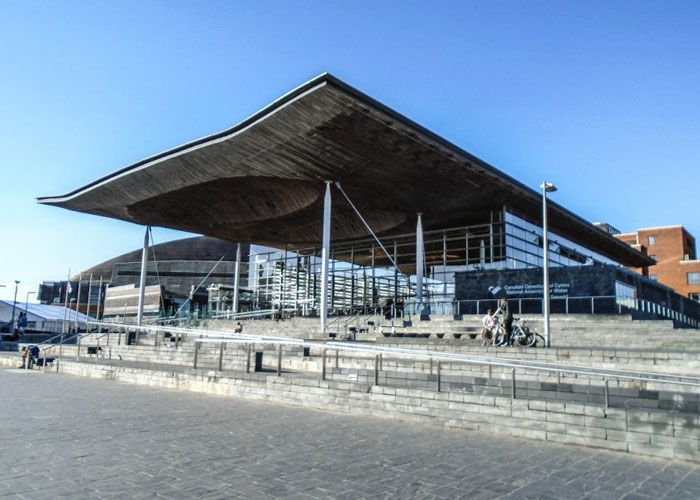 Business activity in Wales rises for the first time since February