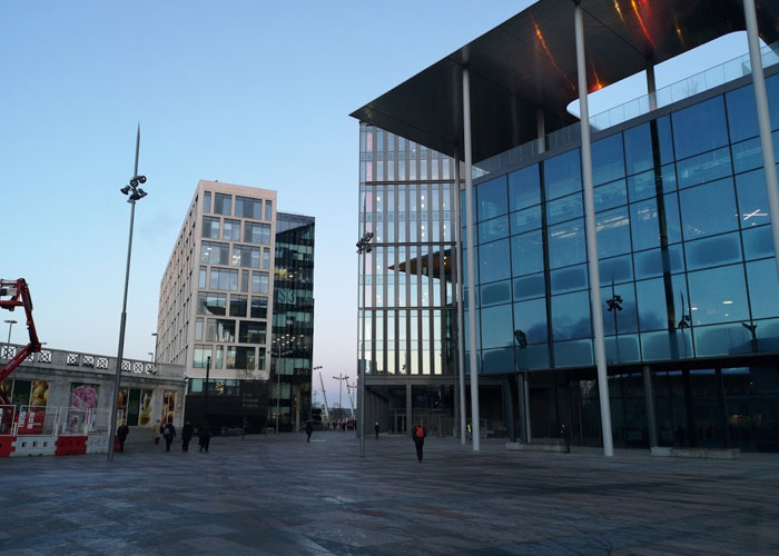Welsh business activity expands in September, albeit only marginally