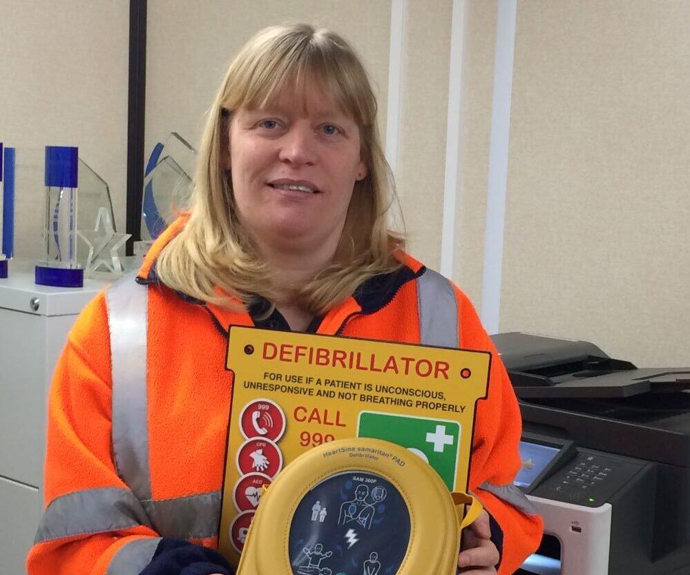 Mobile Mini installs life-saving defibrillators across 16 UK sites