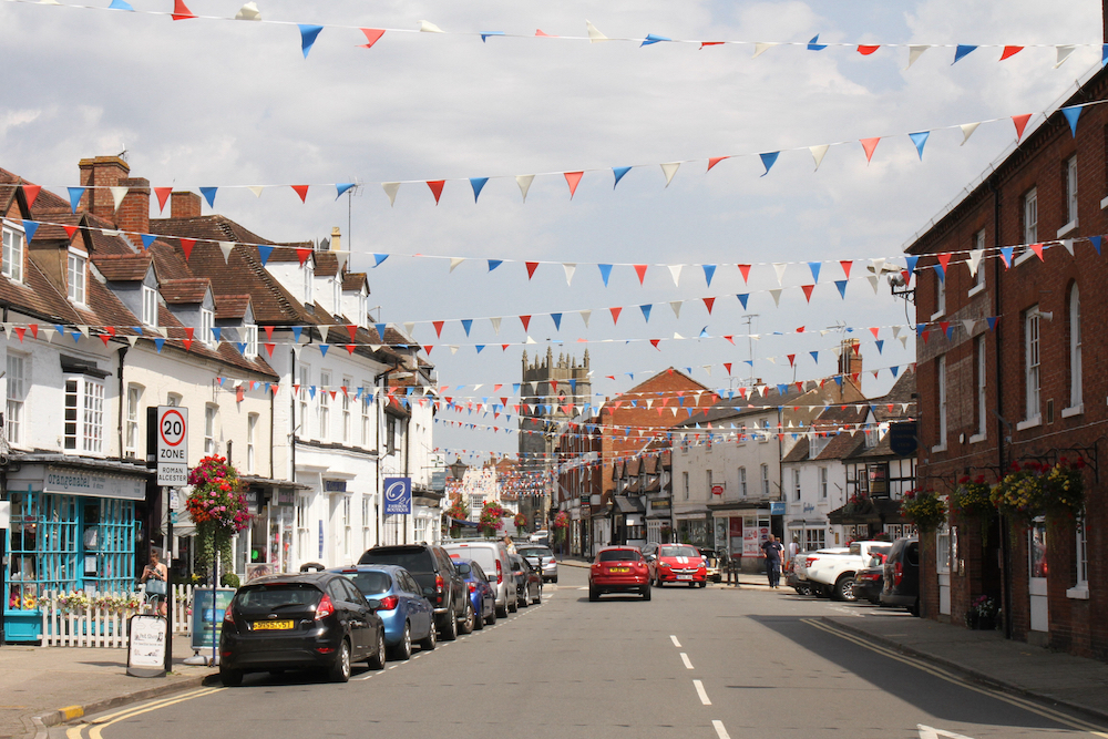 New digital high streets programme to boost local shopping launches in Warwickshire